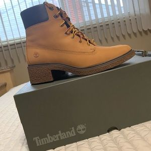 New Women's Timberland Boots